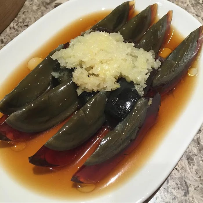 21 Extraordinary Pictures Of National Foods That Seem Uncanny To The Rest Of The World - Century eggs, China