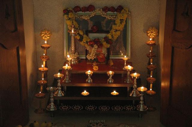 വീട്ടിൽ പൂജാമുറി ഒരുക്കുമ്പോൾ ശ്രദ്ധിക്കണം ഇക്കാര്യങ്ങൾ