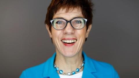 Lemondott a német Kereszténydemokrata Unió elnöke