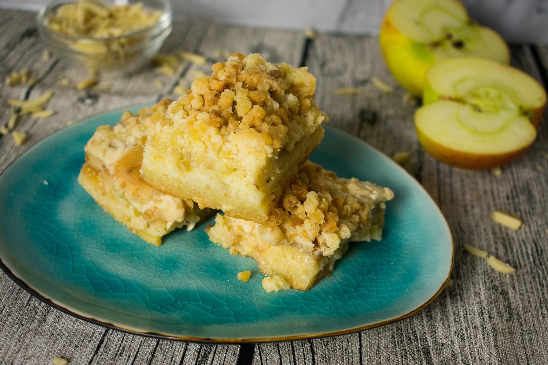 Fruchtig Und Saftig Apfel Streuselkuchen Mit Vanillepudding