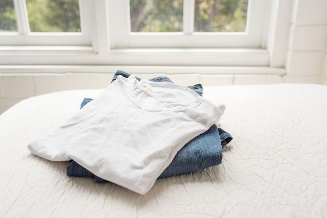 4-Rekomendasi-Kaos-Polos-Distro-Terbaik-Agar-Tampil-Makin-Kece