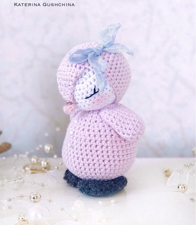Crochet penguin amigurumi