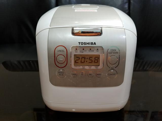 Đánh giá Nồi cơm điện tử Toshiba RC-18NMFVN(WT) (1.8L)