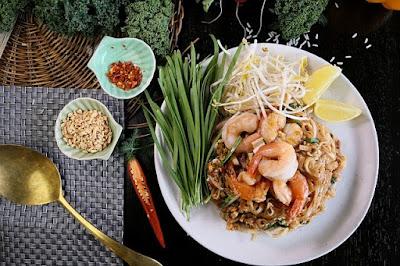 Pad Thai 1$ Foods Around the World