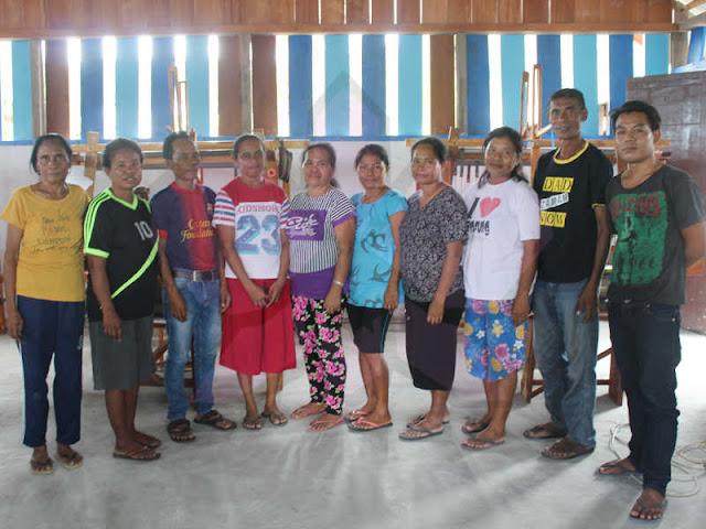 Kelompok Batlolonar Antusias Ikuti Program Pelatihan Tenun ATBM
