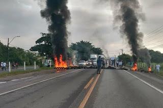 https://vnoticia.com.br/noticia/4220-br-101-liberada-apos-manifestacao-de-motoristas-de-vans