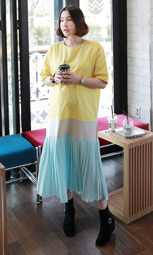 Color Blocked Pleated Hem Midaxi Dress
