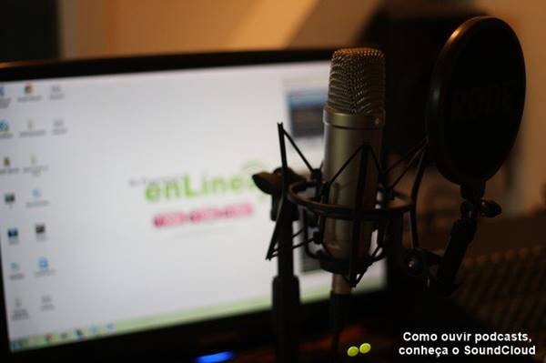 microfone no estúdio profissional