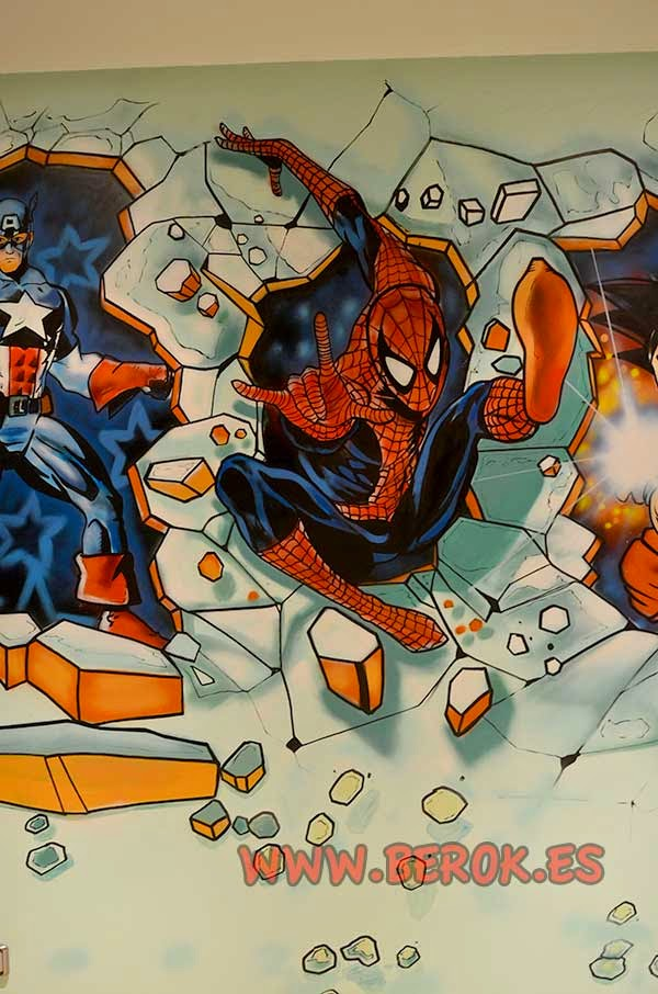 Mural Spiderman rompiendo la pared