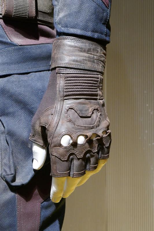 Captain America costume glove Avengers Endgame