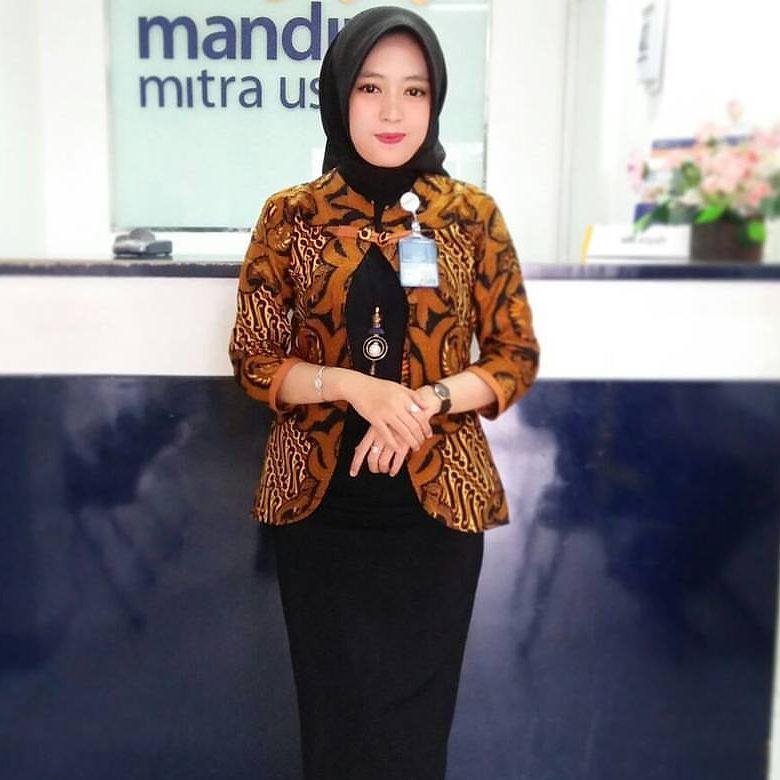 Top 19 Model Baju Batik Kerja Wanita Kantoran Model Kebaya Modern