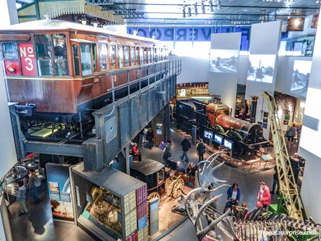 Exposição sobre a Overhead Railway mo Museu de Liverpool