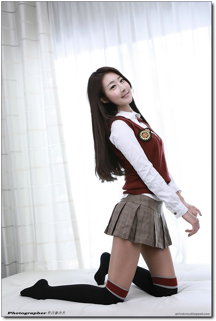 Park Hyun Sun  Maroon School Girl  Cute Girl - Asian Girl-4770