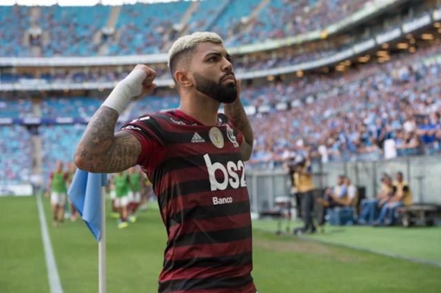 Flemengo bate o Grêmio fora de casa e pode ser hepta na próxima rodada