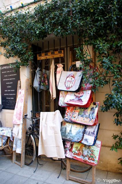 Negozio provenzale nel centro di Arles
