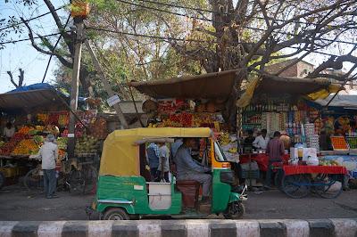 auto rickshaw di jalanan India