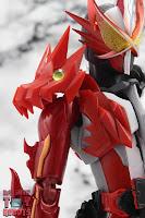 S.H. Figuarts Kamen Rider Saber Brave Dragon 07