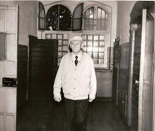 Maks po powrocie z Kołymy odwiedził celę w Legnickim więzieniu
