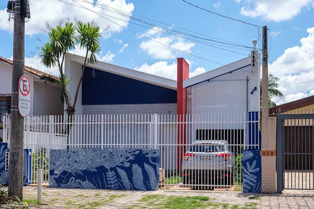 Casa em estilo modernista na Rua David Carneiro