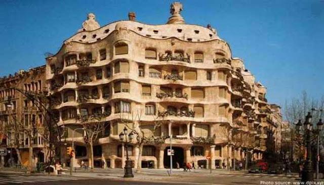 Bangunan Ikon Dunia Casa Mila
