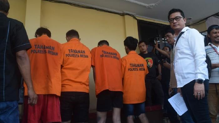 Ditembak Karena Beraksi di 26 Lokasi, Empat Begal Sadis Berakhir di Polsek Medan Baru