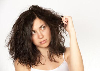 7 Kebiasaan Saat Tidur Yang Merusak Rambut