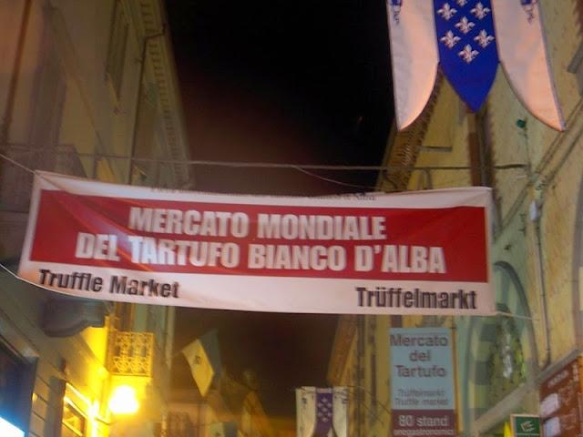 truffle market in Alba