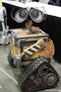 Wall-E at the builders club booth
