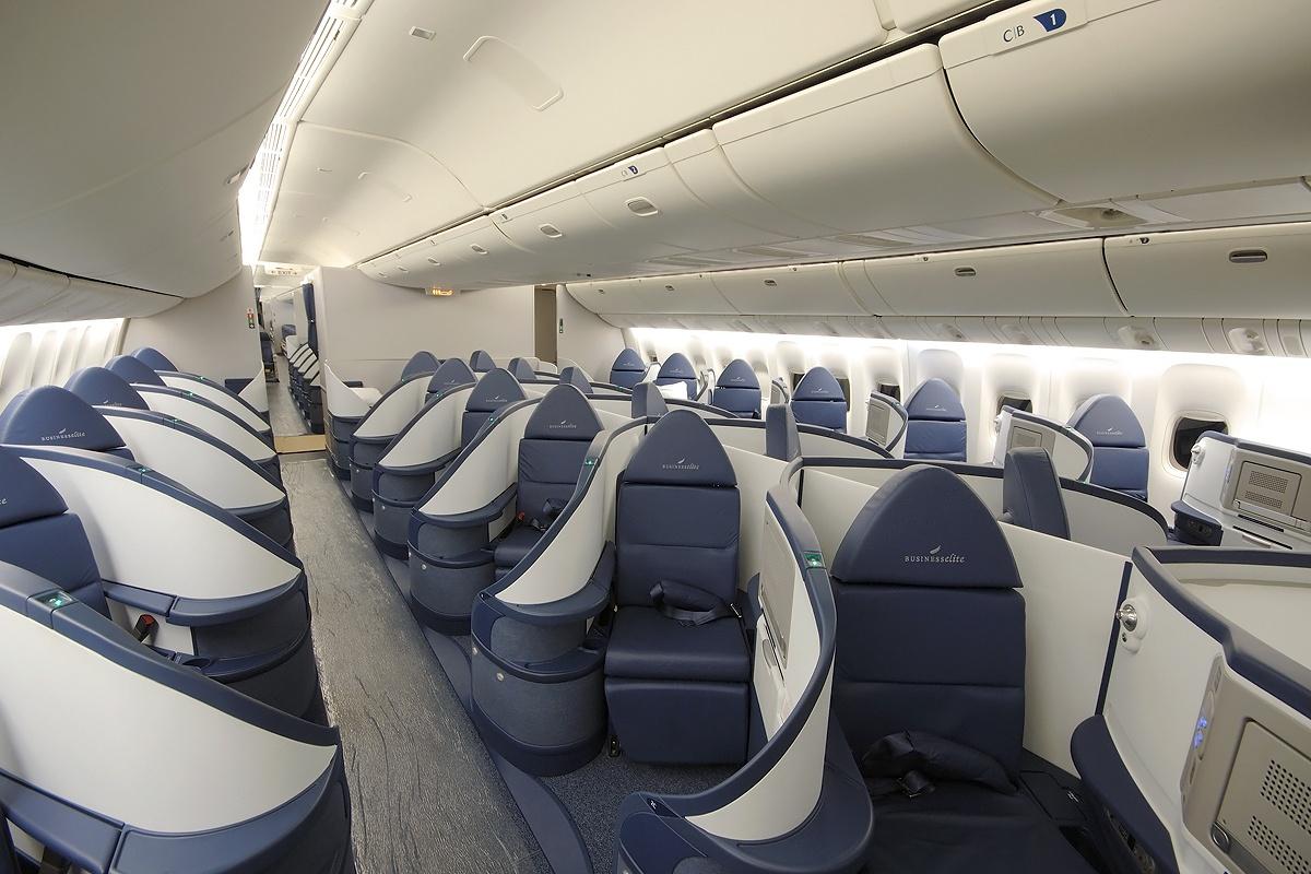 Deltas New Boeing 777-200 Cabin Interior