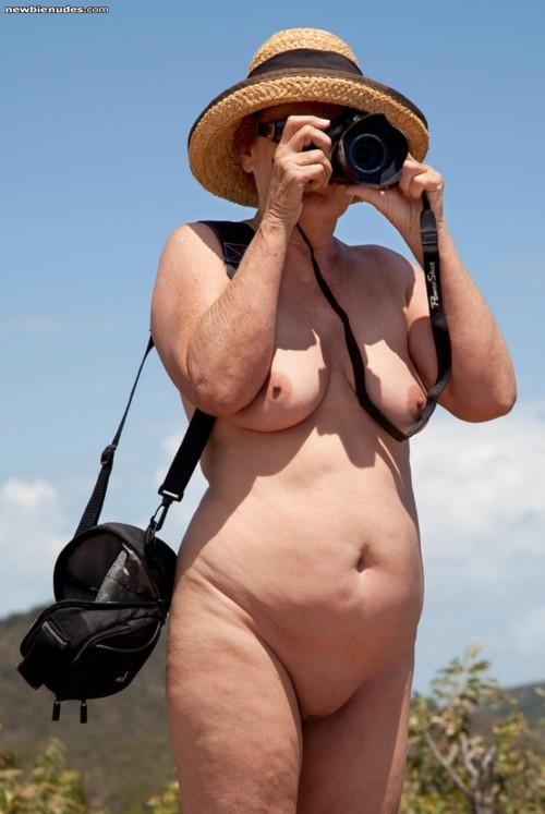 ridicule-nudist-woman-weight-pussy-rides-cock