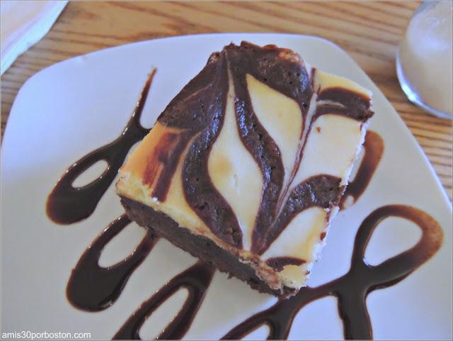Chocolate Cream Cheese Brownies de Pastiche en Providence