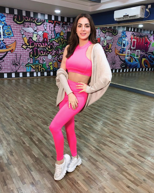shraddha arya images latest
