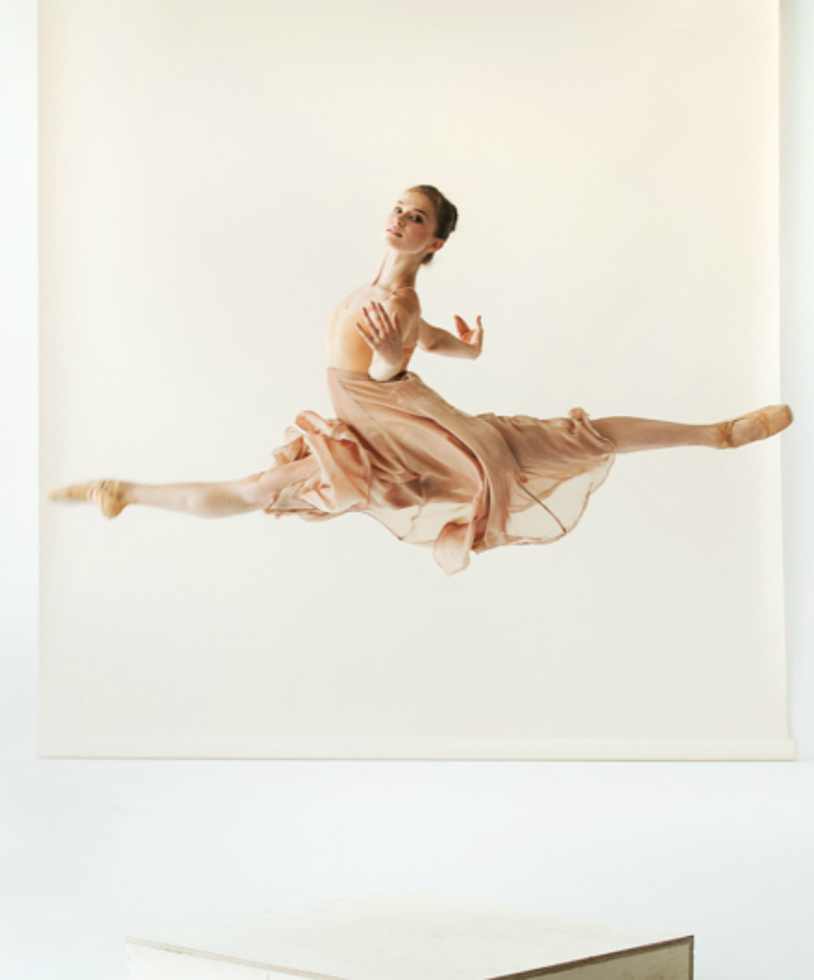 ballet dancer doing a grand jeté