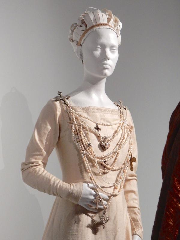 Lady Macbeth film costume