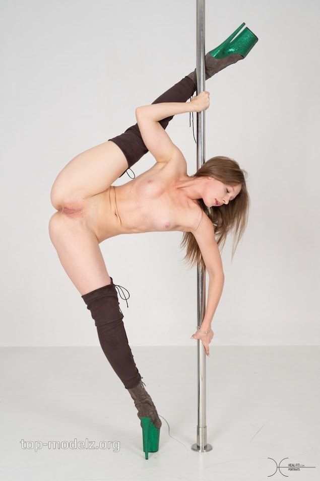 [Heal-Fit] Alice Fox - Heels And Pole