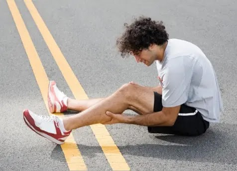 why do my calves hurt when I run