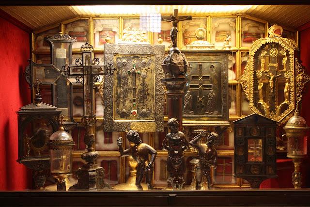 Το ιερό σκήνωμα της Αγίας Ελένης (9) https://leipsanothiki.blogspot.be/
