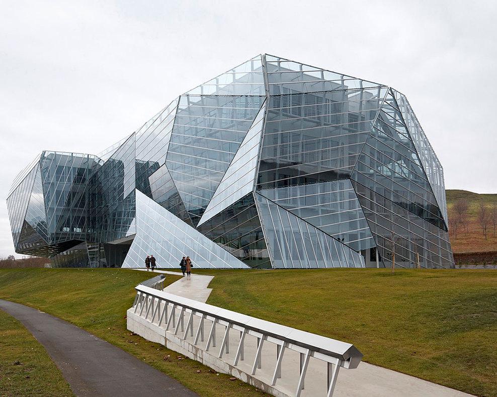 Edificio e8 de coll barreu arquitectos arquitectura y - Arquitectura de diseno ...