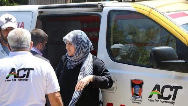 Ambulans Berlogo Pemkot Padang Viral, Sedang Evakuasi Korban Serangan Israel