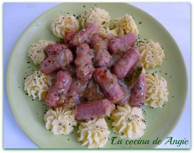 Salchichas Al Vino Con Puré De Patata (olla Gm)