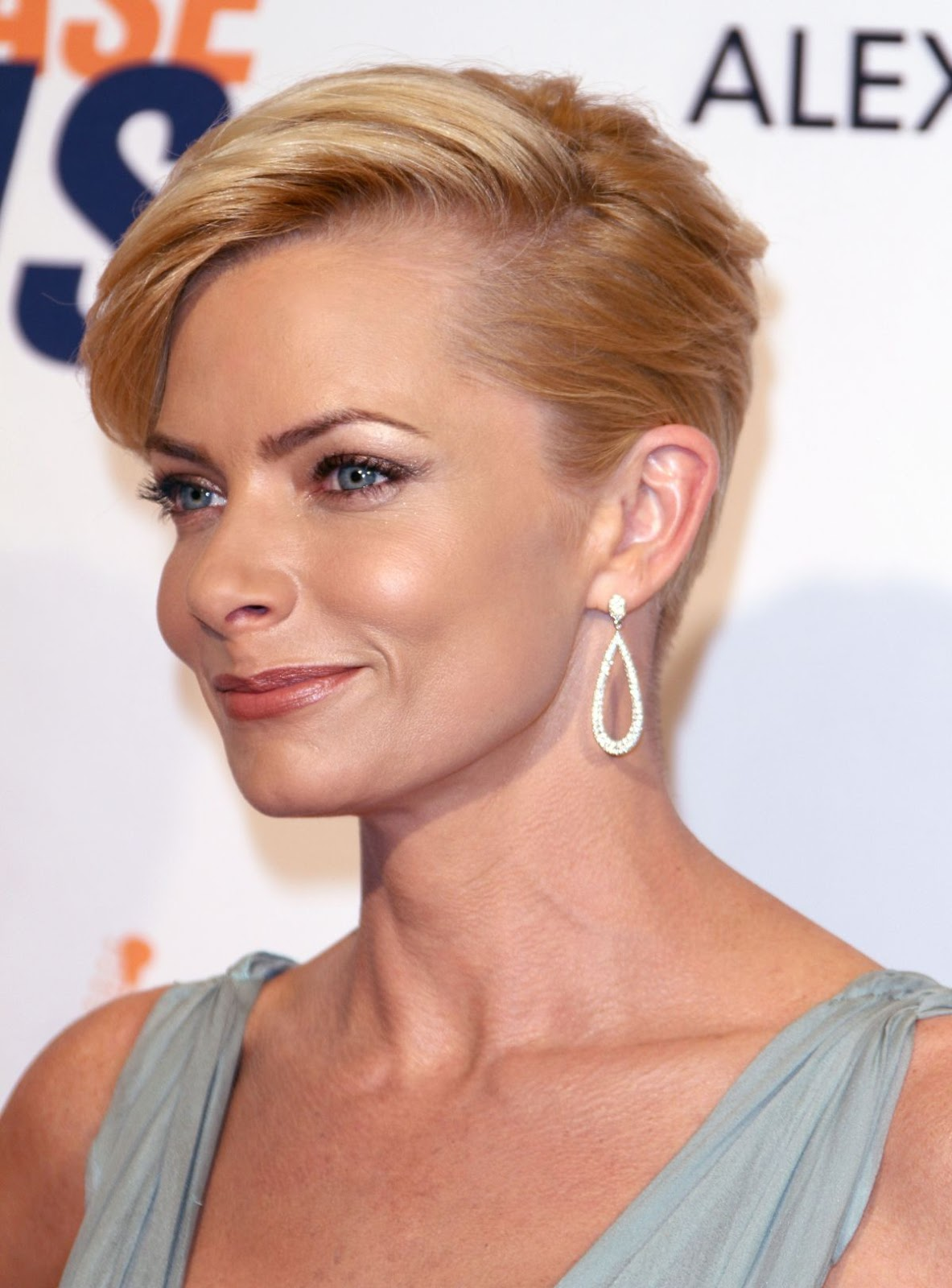 Jaime Pressly Sexy Photos