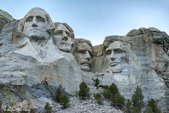 Monte Rushmore - Wyoming