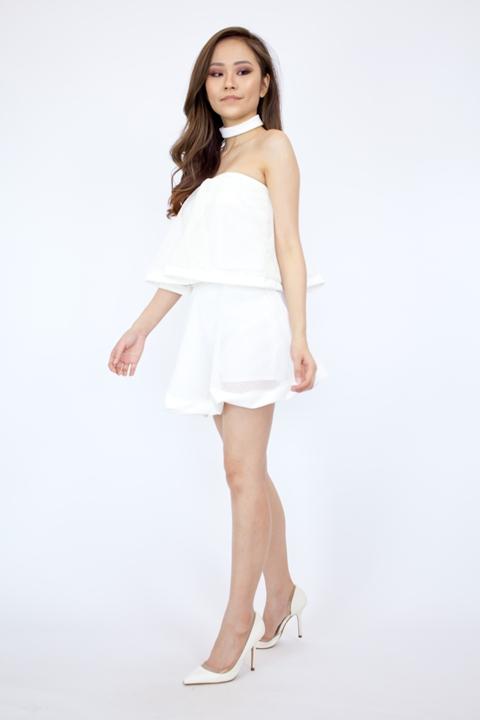 VST825 White