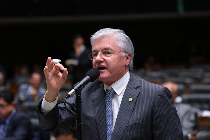 Valdir Rossoni assume vaga de Schiavinato