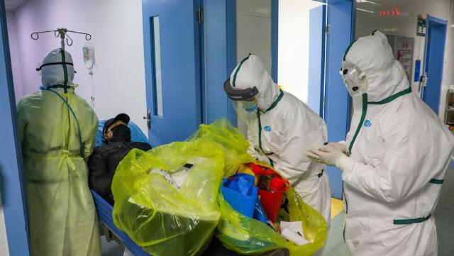 Se eleva a más de 900 el número de víctimas mortales por el coronavirus