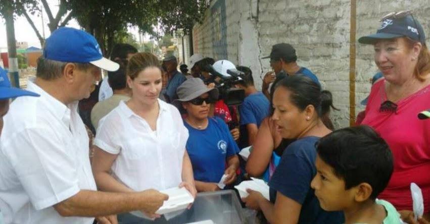 USIL: La Universidad San Ignacio de Loyola entregó 700 almuerzos a damnificados de Huachipa