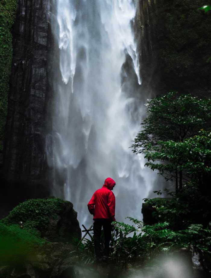 Fasilitas Wisata Kabut Pelangi Waterfall Lumajang