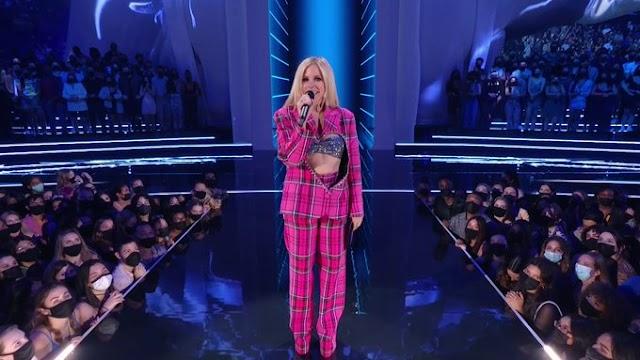 La nueva música de Avril Lavigne llegará el próximo mes
