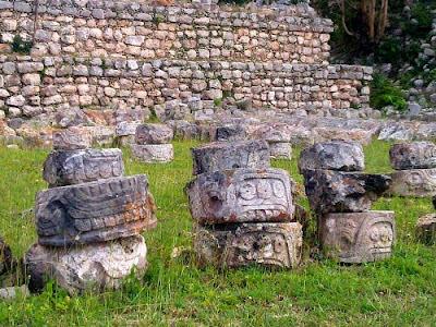 Piedras Talladas Mayas Mexico