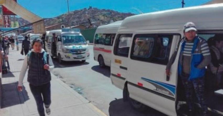 Universitarios de la UNAP protestan contra aumento de pasaje urbano en Puno
